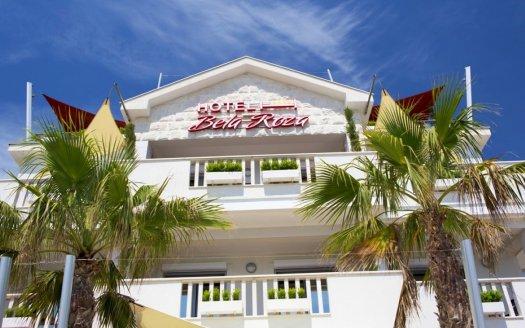 mali hotel na obali zaliv prodaja